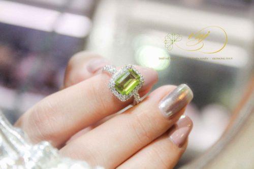 Nhẫn đá Peridot Cn