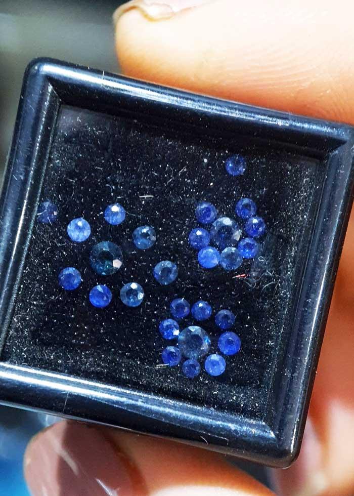 Đá Sapphire Blue